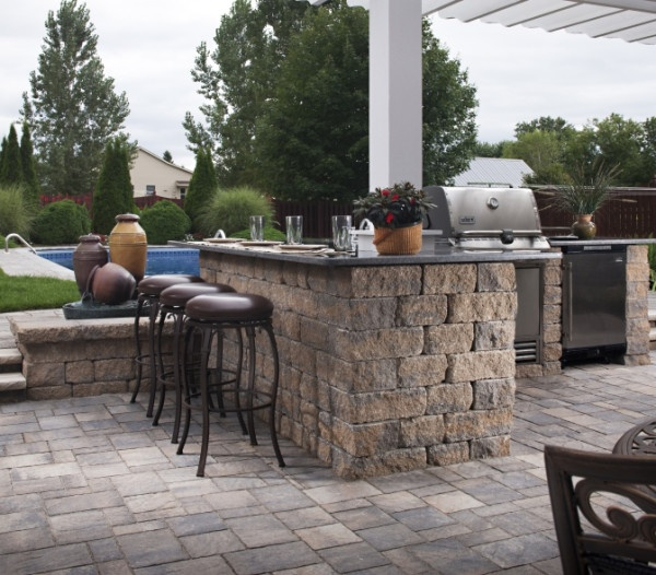 Urbana and Celtik wall team up to create a patio for entertaining. Order your free Idea Book at www.Belgard.biz.