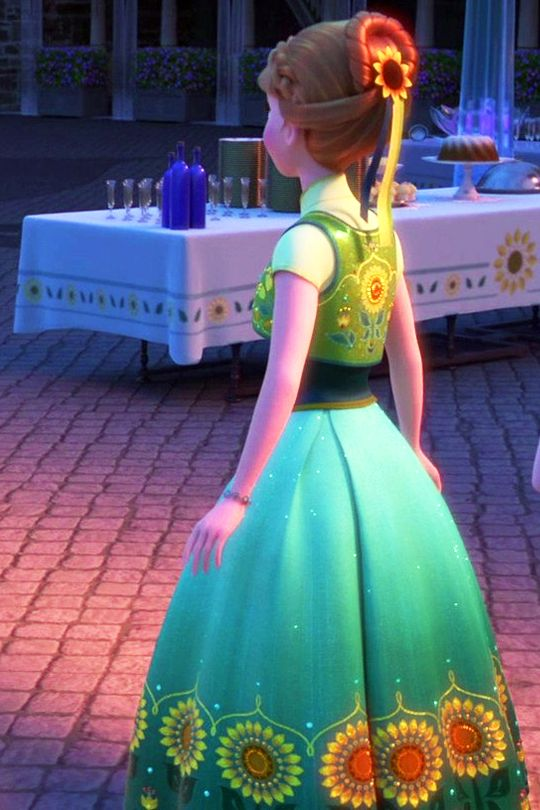 Princess Anna frozen fever.  Back of hair view.