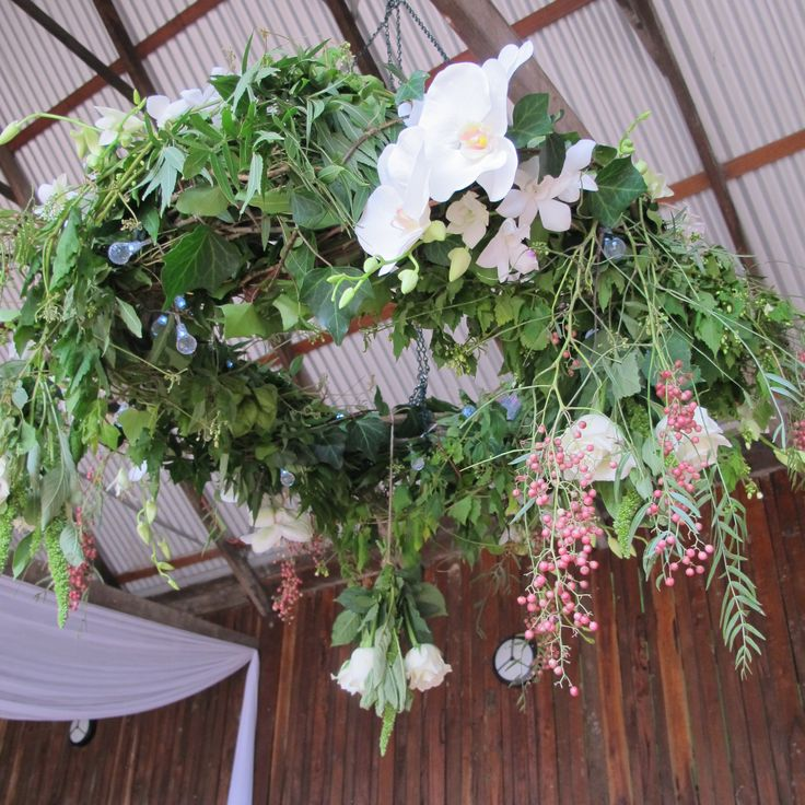 A wreath chandalier for ceremony
