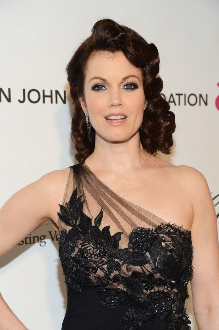 Bellamy Young Nude Photos 20