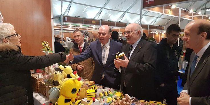 Latre apela al compromiso de hechos para apoyar la Feria Apícola y el sector en nuestra provincia