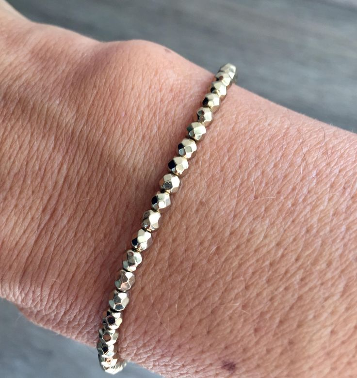 21 best bracelet perle images on pinterest pearl bracelet woman bracelet bracelet femme bracelet lastiquebracelet perlebracelet hmatiteperle hmatite fandeluxe Gallery