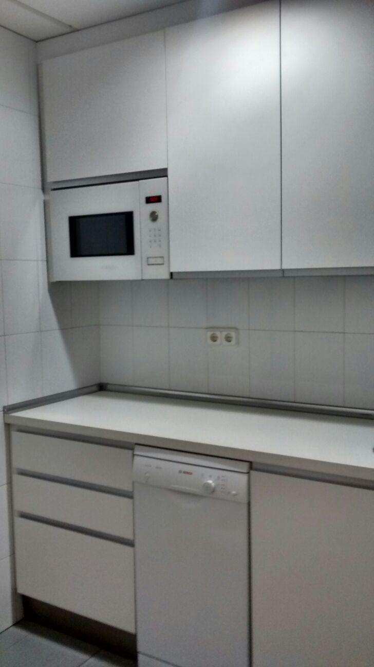 cocina office dentro de un consulado muebles sin tirador de alvic y de