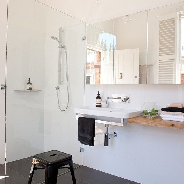 Norwood bathroom. #royaloak as cabinetry @rogerseller #wallhungbasin #design #bathroom #interiordesign #idesignedthis #adelaide #mikrosedesign #Norwoodone