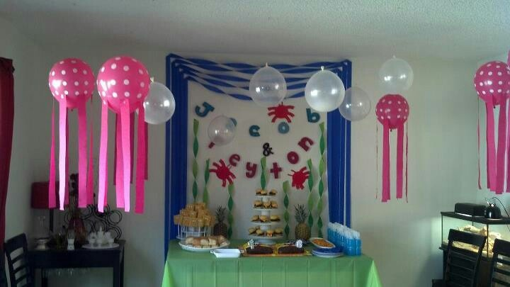 Balloon And Streamer Decoration Ideas Hello Kitty Gift Table Idea