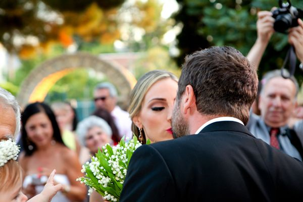 #redverawang #redweddingdress See more here http://www.love4wed.com/red-wedding-dress-vera-wang/