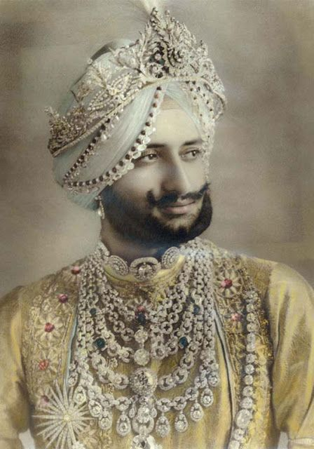 Yadavindra Singh, Maharaja of Patiala - 1939 - Wearing the fabled Patiala Necklace - Style: Art Deco - @Mlle