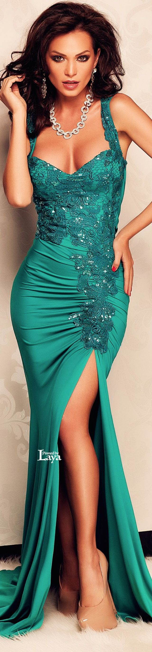 ♔LAYA♔ATMOSPHERE FASHION♔ | sexy and curvy | luxury that catches her elegant style and expresses her sexy attitude | the lady in teal green gown | Bordering between green and blue is teal. Uplifting, energetic and chic, teal has the earthy quality of green combined with the lofty nature of blue making it a perfect color choice for people who are down to earth yet sophisticated in style | fashion designer diamonds necklace and earrings | #thejewelryhut