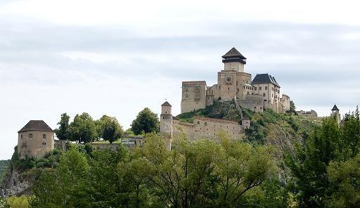 Trencsén - túlélte a tatárjárást, Luxemburgi Zsigmond lakodalmának is otthont adott, 1708 augusztusában viszont elvesztették a kurucok.