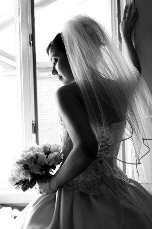 #Bride by #Windowlight. #Classicbeauty