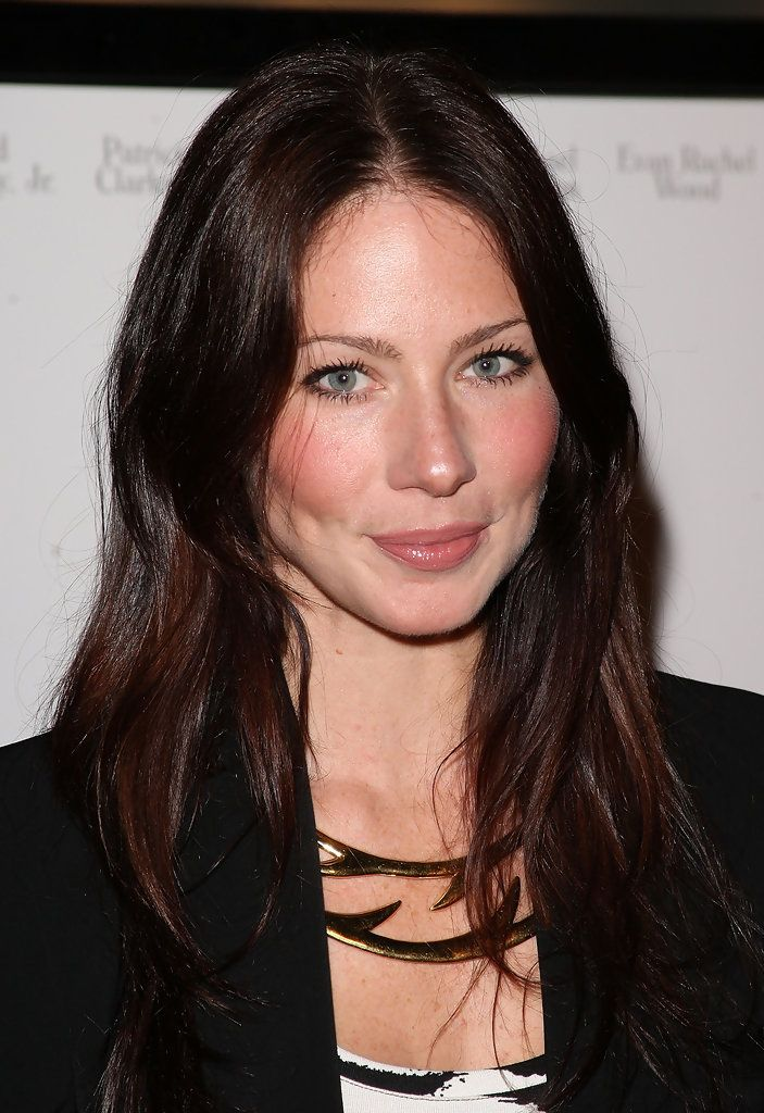 27 best lynn collins images on pinterest lynn collins for Lynn collins hot pic