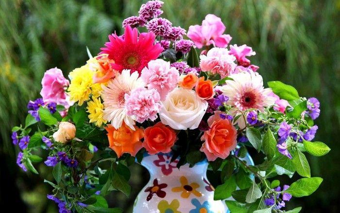 Маленький букет. Цветы на фото