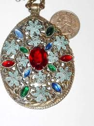 Online jewelry stores for rings for men, vintage jewelry, latest styles of rings, earrings, bracelets, diamond jewelry and more only at jewelsberry.com