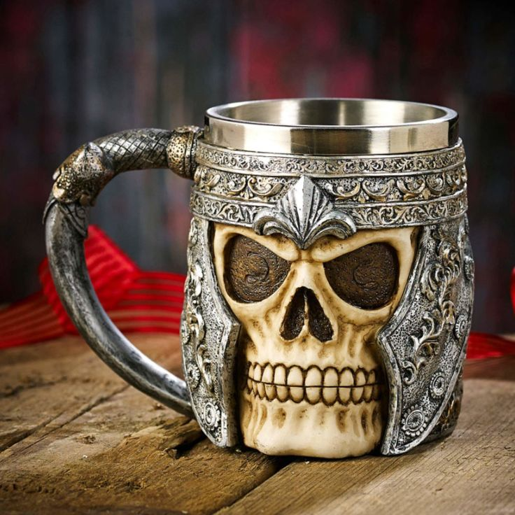 The problem with society today is no one drinks out of skulls anymore. This large and empowering skull tankard features the skull of a Viking warrior. This stunningly well detailed and realistic tanka