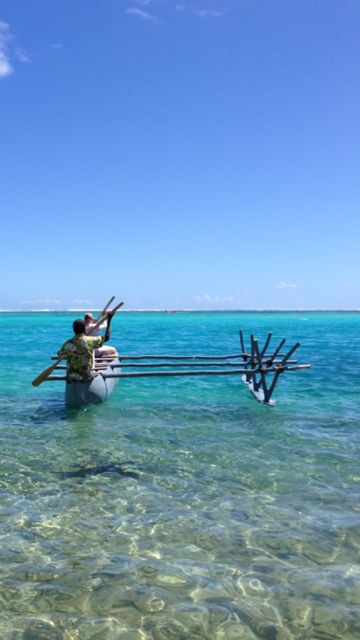 Paddling an Vanuatuan outrigger with boatbuilder Alan on Mystery Island (Inyeug) on New Year's Day - incredible! http://indianasarah.com/magical-mystery-island/ #indianasarah #archaeology #adventures #afloat