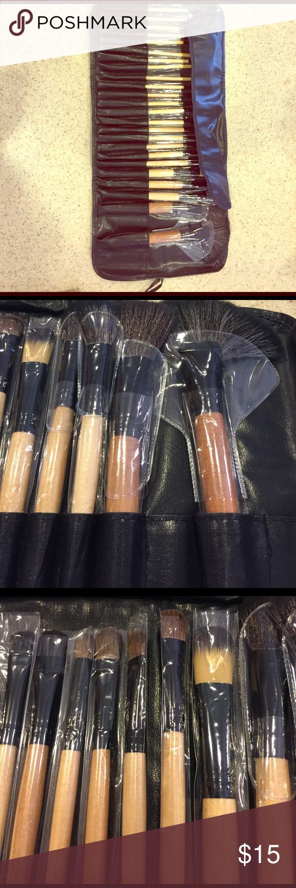 New 24 piece make up brush kit black roll up kit This is a brand-new 24 please I lip brown face make up brush kit brushes are good quality very soft new in package come in black vinyl roll a bag a scene and picks the perfect brush kit for on the go Makeup Brushes & Tools