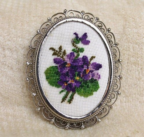 Vintage Petit Point Violet Pansy Cannetille Filigree Brooch Earrings