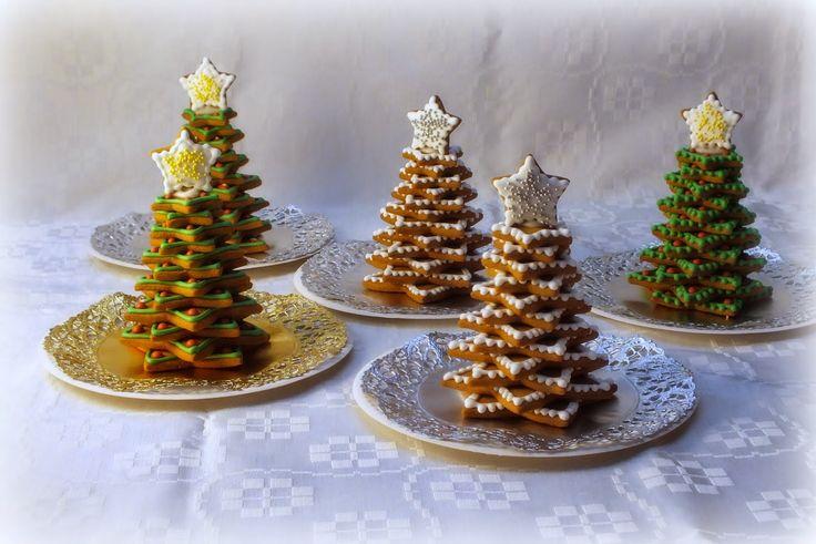 Kotiäidin käsitöitä ja leipomuksia. Mukana kaikkea ihanaa eli ompelua, neulontaa, virkkausta sekä kakkuja, torttuja, pullia ja pipareita.