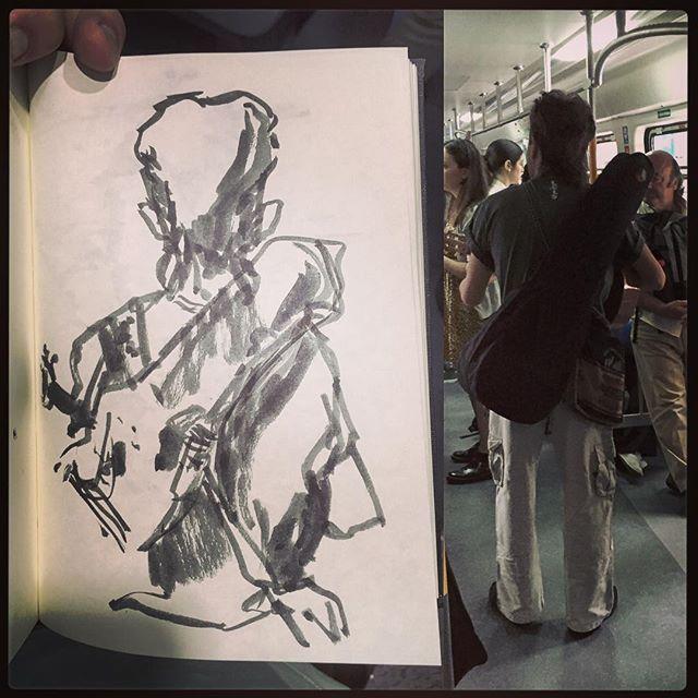 Cantor de trenes. #gentequesedibujaeneltren #bocetorapido #boceto #dibujar #dibujo #sketch