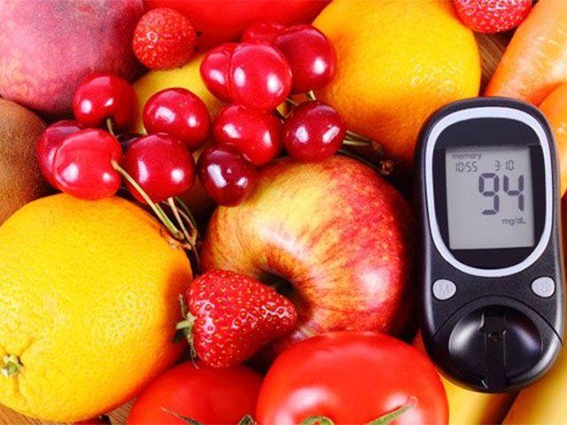 Milyen ételeket fogyasszon az aki cukorbetegségben szenved? Milyen ételek fogyasztása segíthet a helyzeten?