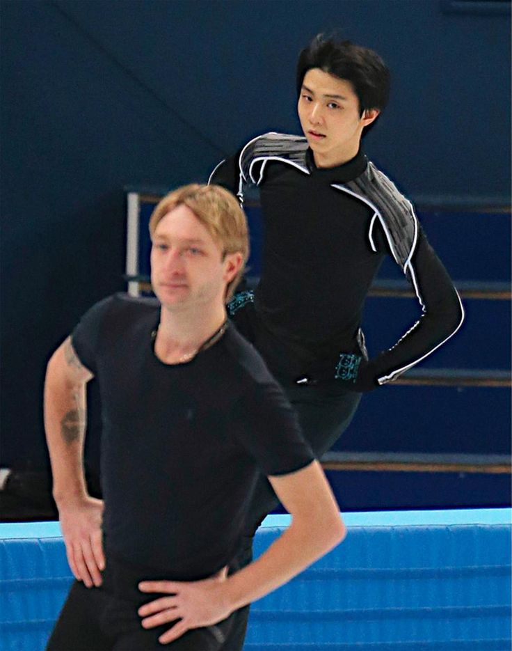 Pleshenko and Hanyu.  Past (but still wonderful) and the Future.    【メガピクチャー】羽生とプルシェンコが練習