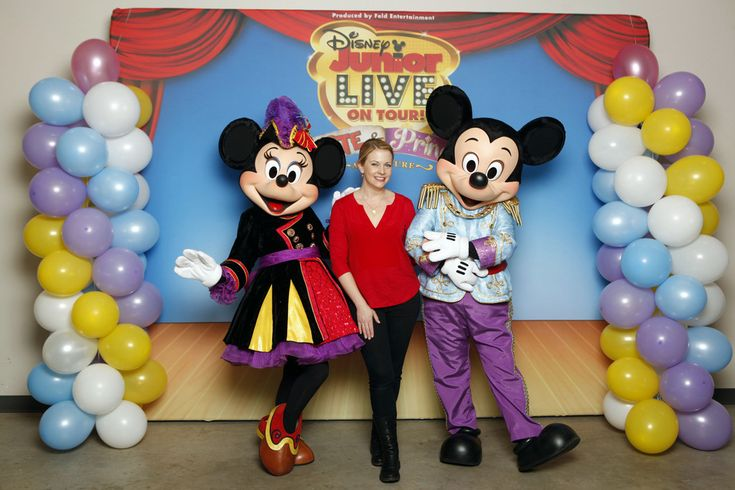 Melissa Joan Hart Photos: Melissa Joan Hart, Husband Mark Wilkerson And Their Sons Tucker, Braydon And Mason Meet Mickey Mouse And Minnie Mo...