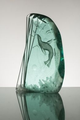 The Divide in hand-carved laminated glass by Peter Nilsson