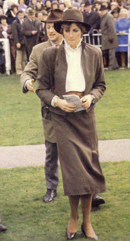 Lady Diana Spencer , Horse Racing à Sandown Park Racecourse, Surrey - 13 Mars 1981 (Suite )