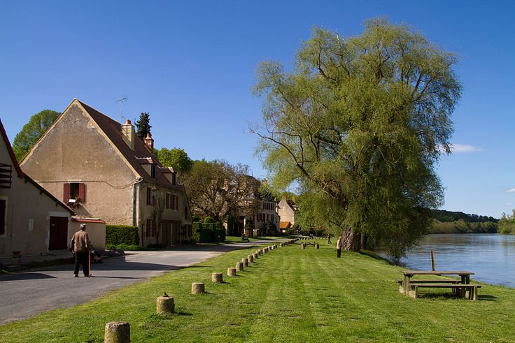 Apremont-sur-Allier 20120503-IMG_6146