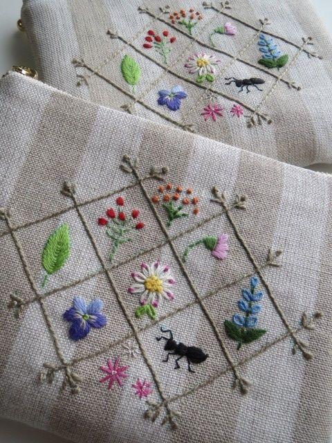 刺繡のフラットポーチ(小花)W 2x