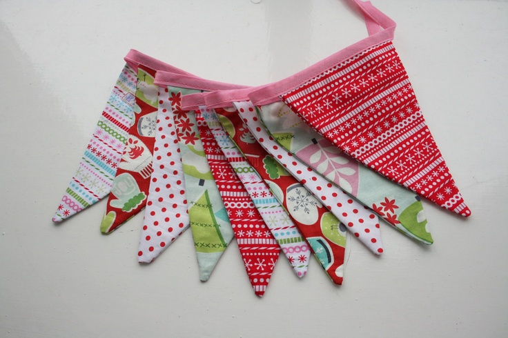 Christmas Bunting - Mittens, Christmas Tree, retro, vintage inspired / pennants / garland - 10 flags - pink, green and red. £8.00, via Etsy.