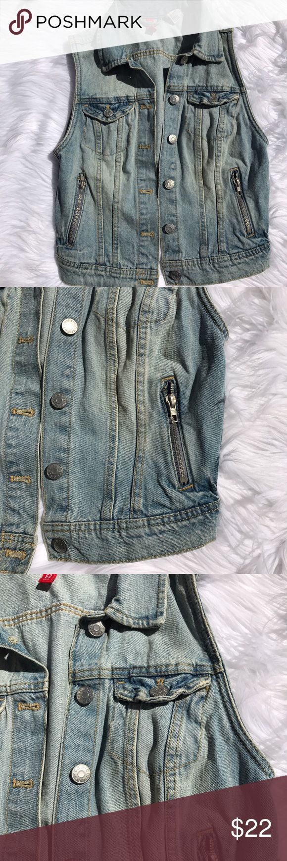 """Divided Sleeveless Denim Jean Vest Sz 4 Light Blue H&M Divided Sleeveless Denim Jacket Jean Vest Ladies Size 4 Light Blue  Gently used, please see photos for details!  Armpit to armpit - 15"""" Front Length - 19""""  Back Length -- 16"""" Divided Jackets & Coats Vests"""