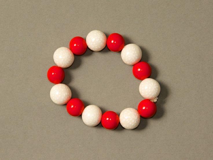Schlichtes Armband - ♥ Rot-Weiß ♥ von ViennaCrafties auf DaWanda.com