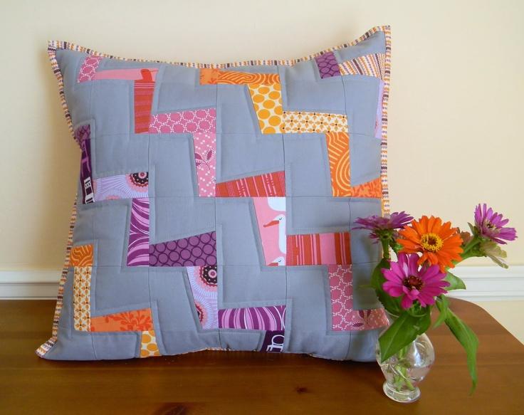 Teaginny Designs: Wonky Zigzag Pillow Tutorial