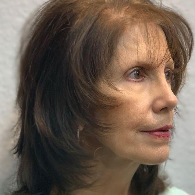22 Junger Machende Frisuren Fur Dunnes Haar Ab 50 Dunnes Frisuren Fur Haar Junger Mac In 2020 Face Framing Gorgeous Women Face Framing Layers