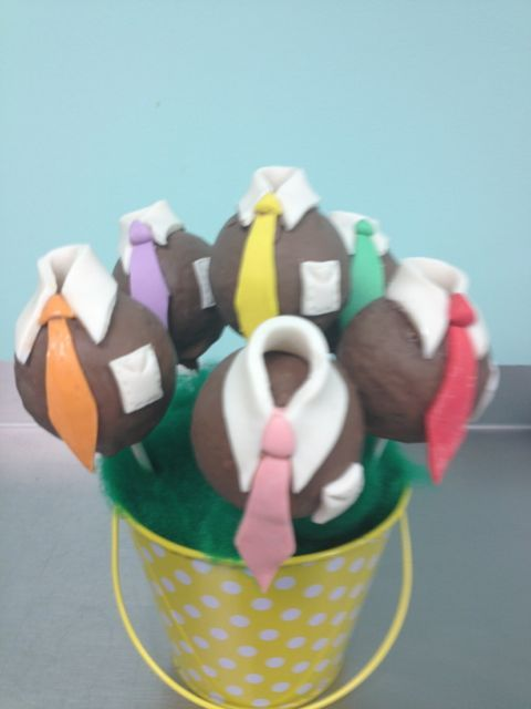 Tasty Tie Cake Pops. Perfect for a Father's Day gift made in Florida #cakessosimple #cakepop #fathersday #florida