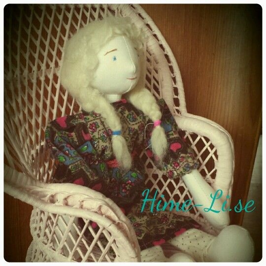"""Hime-Li """"Pollyanna"""" Rag dolls of recycled material."""