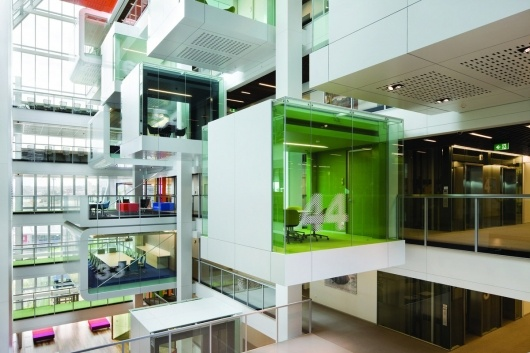 Clive Wilkinson Architects: Macquarie Group meeting pods, Sydney, Australia