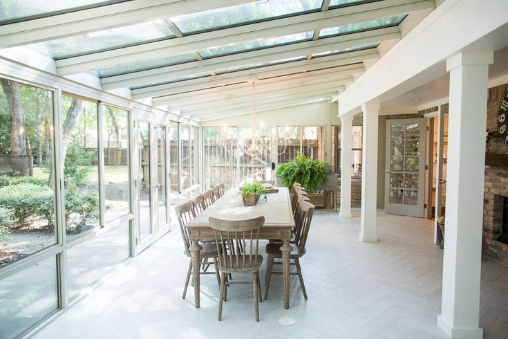 fixer upper joanna gaines sunroom and outdoor living. beautiful ideas. Home Design Ideas