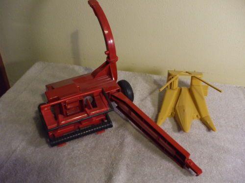 New Holland Forage Harvester 1 16 Ertl Toys Harvester