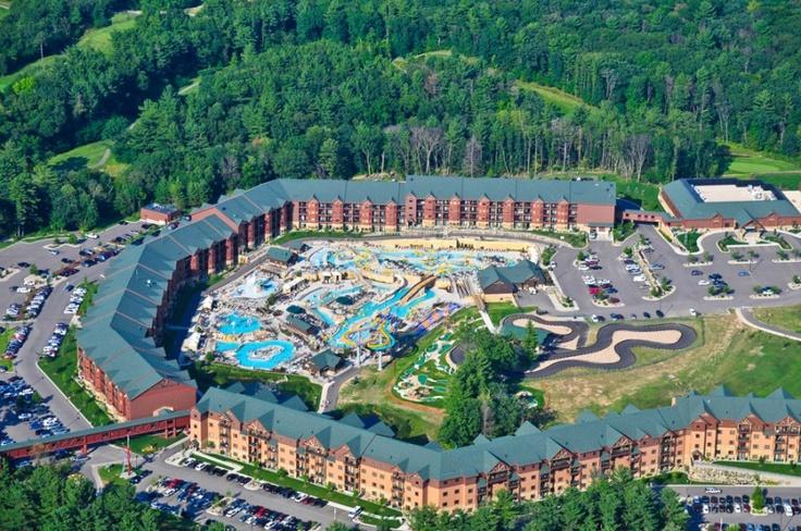Wilderness glacier canyon resort @ Dells! It's America's Largest Waterpark Resort...and it's huge!! #WisconsinPride