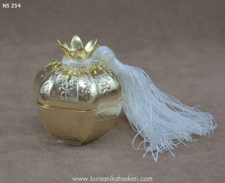 свадебные конфеты гранатовый Лотки