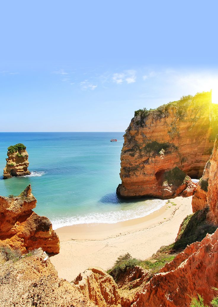 Discover the Algarve at James Villa Holidays