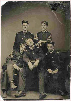 Civil War Soldier Tintype Candid Group Photo Pic