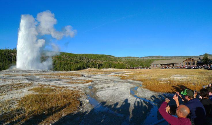 Old Faithfull, Yellowstone - Wyoming