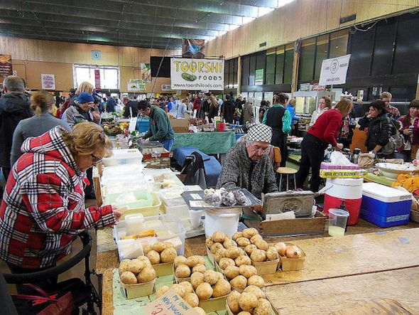 Winter farmers' markets in Toronto