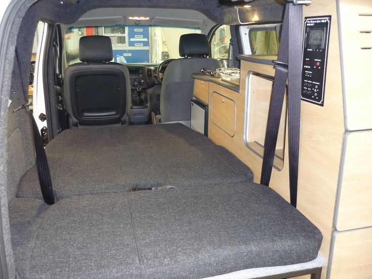 the camper van interior and living space of our nv200. Black Bedroom Furniture Sets. Home Design Ideas