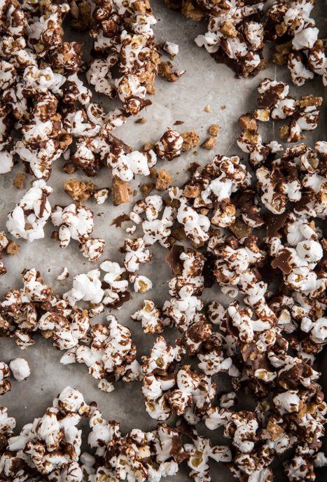 chocolate toffee popcorn | My Baking Addiction