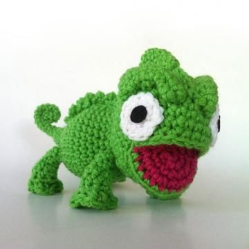 Charming Chameleon amigurumi pattern by Ami Amour