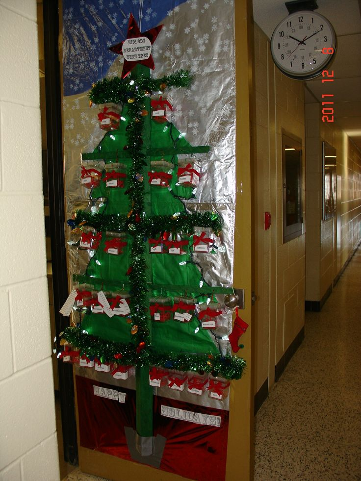 61 Best Christmas Door Decorations Images On Pinterest